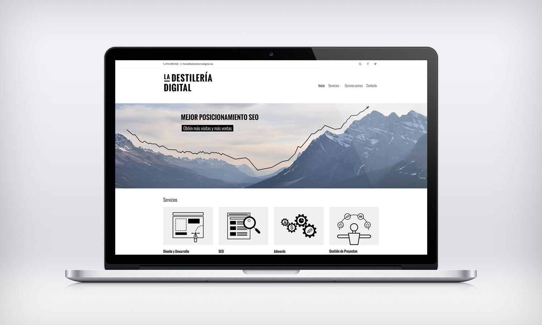 la-destileria-digital-web-mockup02.png